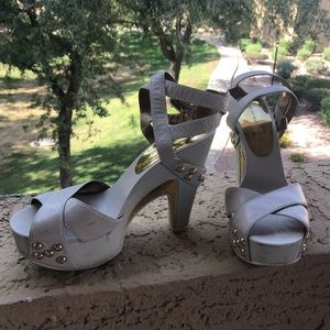 Marc Jacobs White & Gold Wrap Around Heels